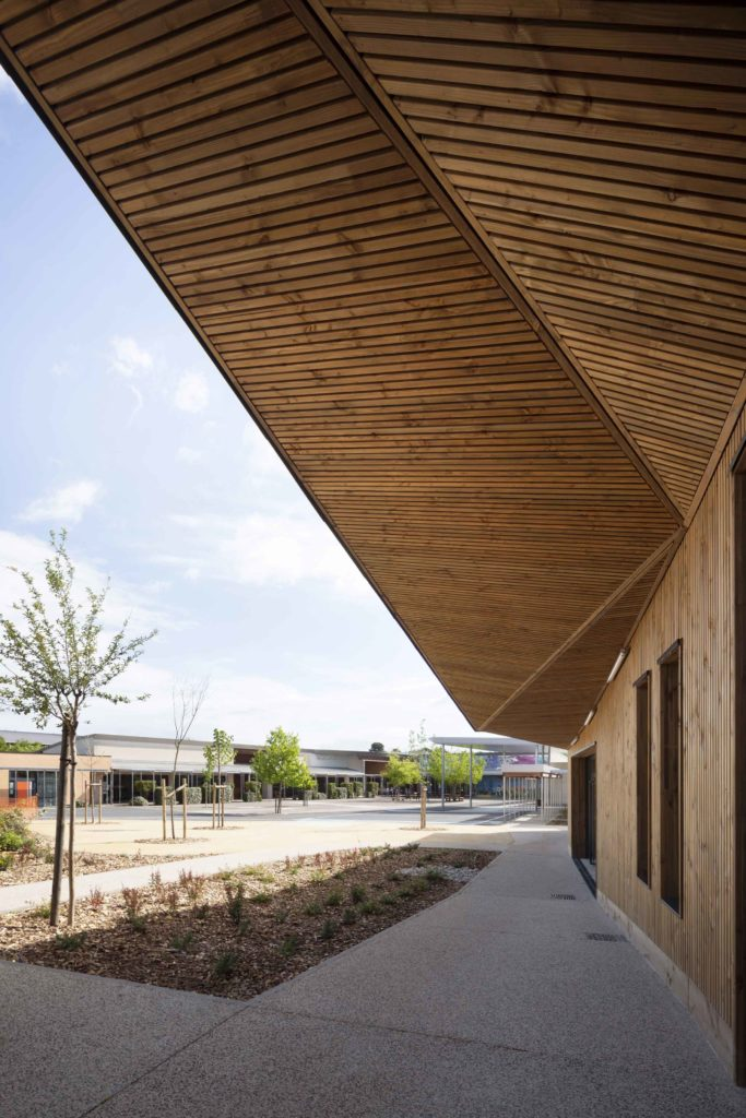 GUSTAVE COURBET ECOLE ARCHITECTURE